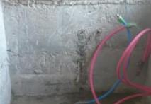 三重県津市 C様邸浴室の解体、設備配管、電気配線完了しました